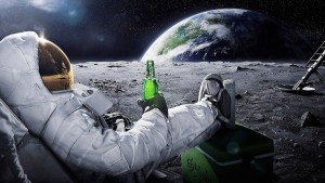 Moon-Drinking-Beer-Carlsberg-Space-Astronaut-WallpapersByte-com-1366x768