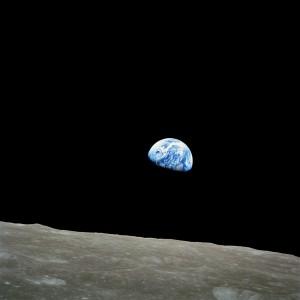 NASA-Apollo8-Dec24-Earthrise[1]